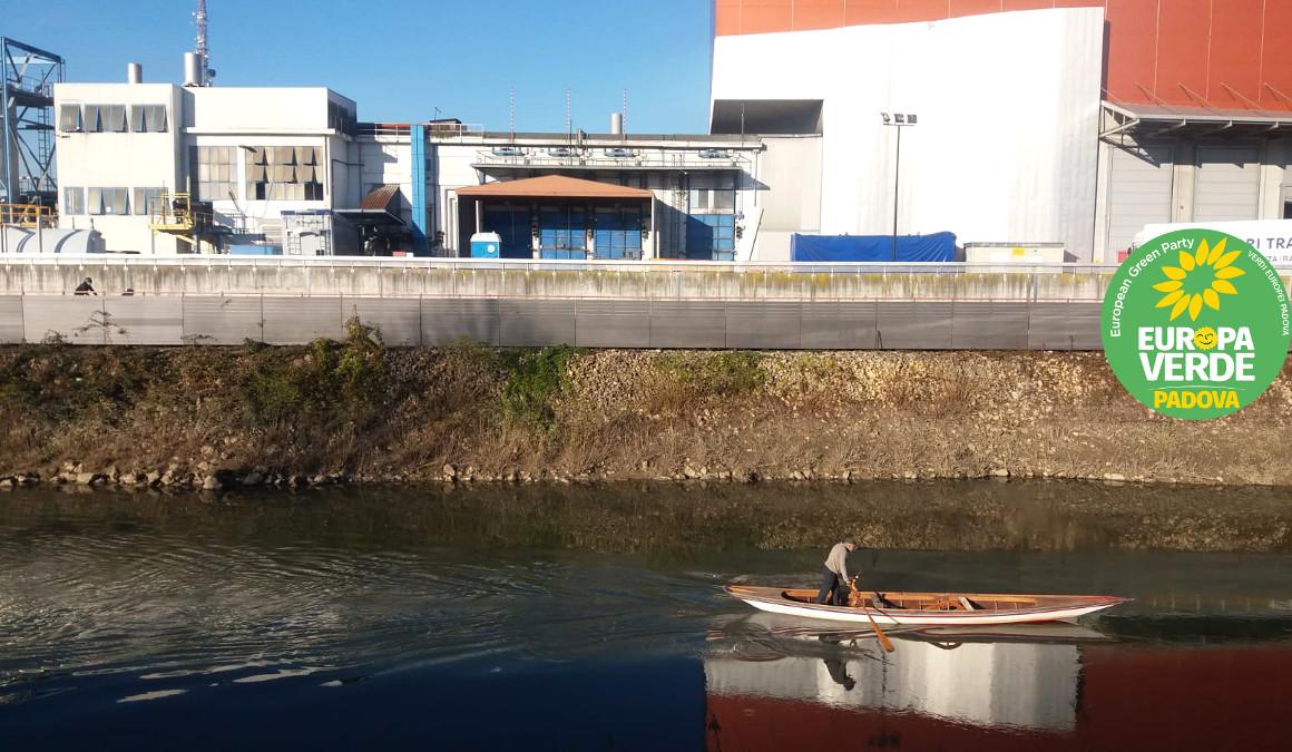 Inceneritore-Padova-rischio-pfas-Piovego-Verdi-Europa-Verde-Padova-barca