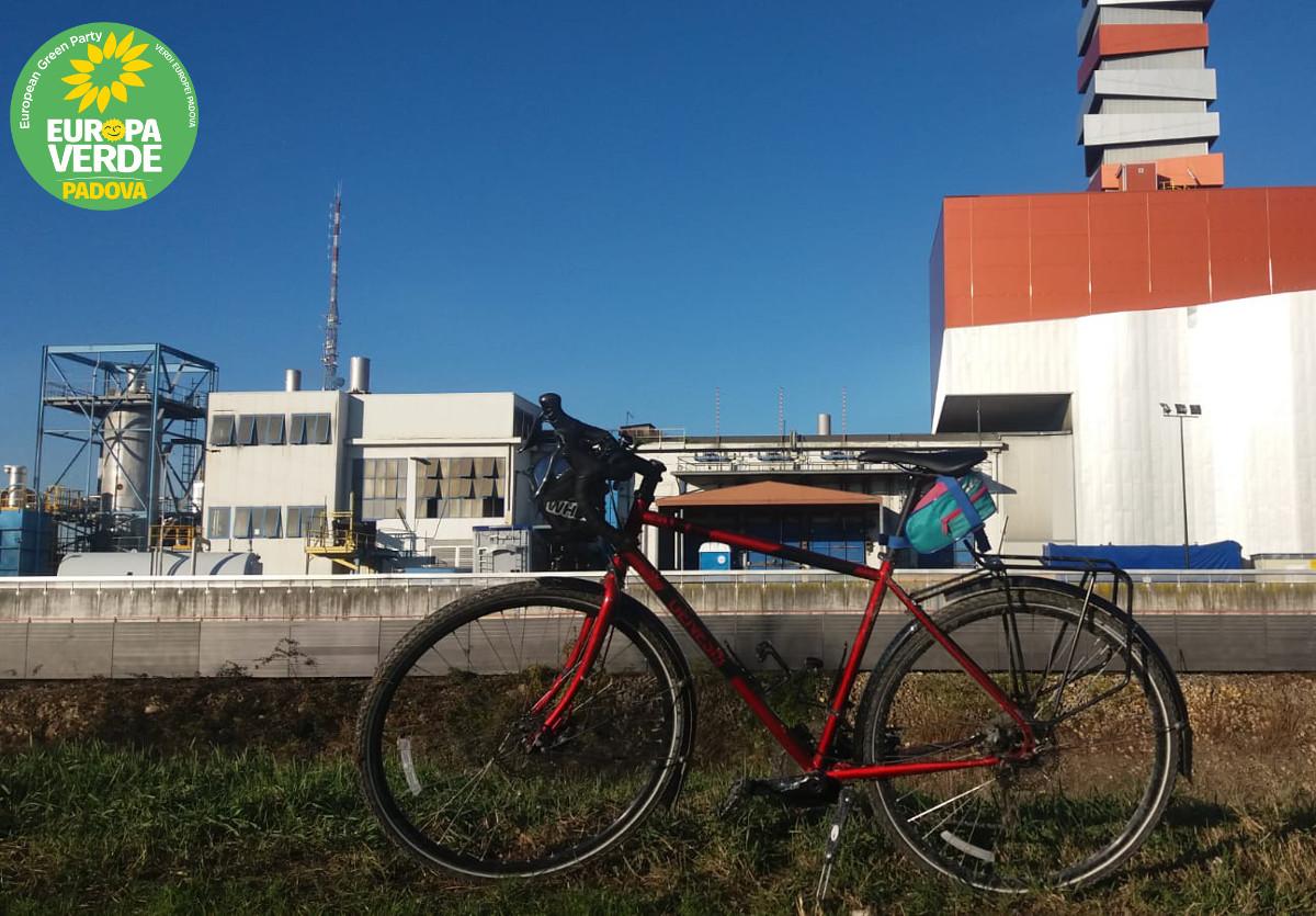 Inceneritore-Padova-rischio-pfas-Piovego-Verdi-Europa-Verde-Padova-bici